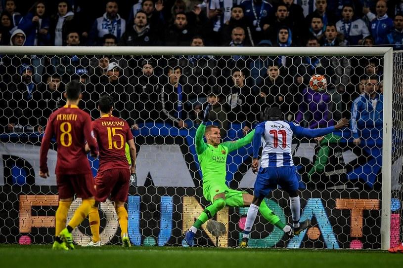 Moussa Marega strzela na 2-1 /AFP