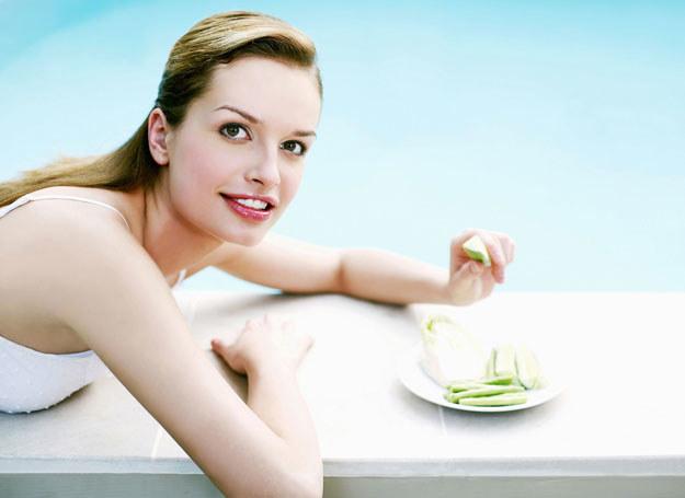 Mówienie o diecie nie pozwoli ci schudnąć /123RF/PICSEL