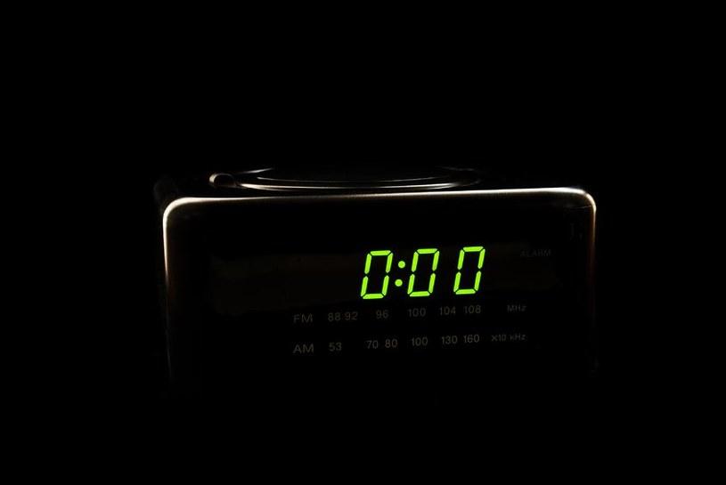 Możesz chodzić spać o północy, pod warunkiem, że śpisz co najmniej 6 godzin /123RF/PICSEL