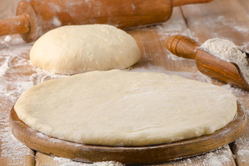 Możesz cieszyć się pyszną pizzą przygotowaną samodzielnie /123RF/PICSEL