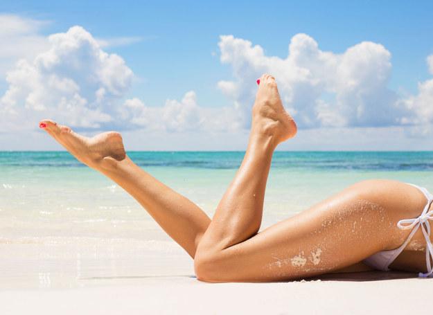 Możesz jeszcze zdążyć przygotować nogi na plażę! /123RF/PICSEL