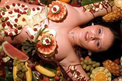 Możesz na przykład zamówić danie z ciała... /AFP