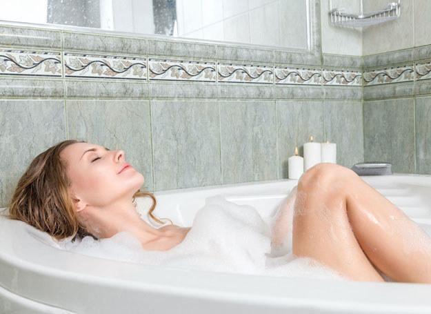 Możesz się zrelaksować we własnej łazience /123RF/PICSEL
