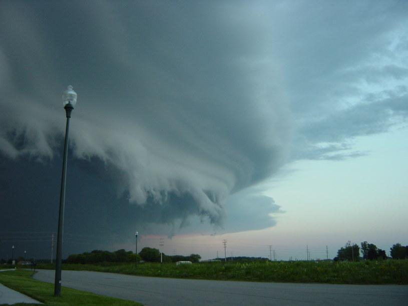 Możliwe burze z gradem i trąby powietrzne, zdjęcie ilustracyjne /123RF/PICSEL