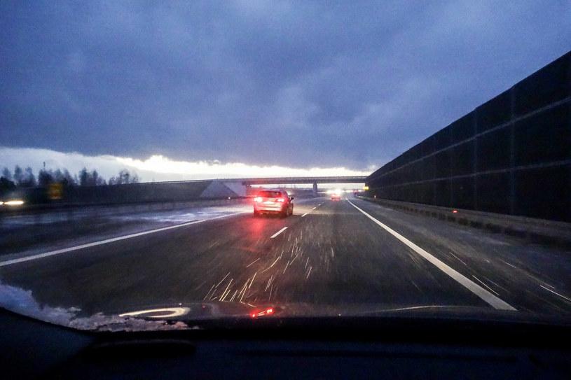 Możliwy deszcz ze śniegiem, a w górach śnieg /Piotr Kamionka /Reporter