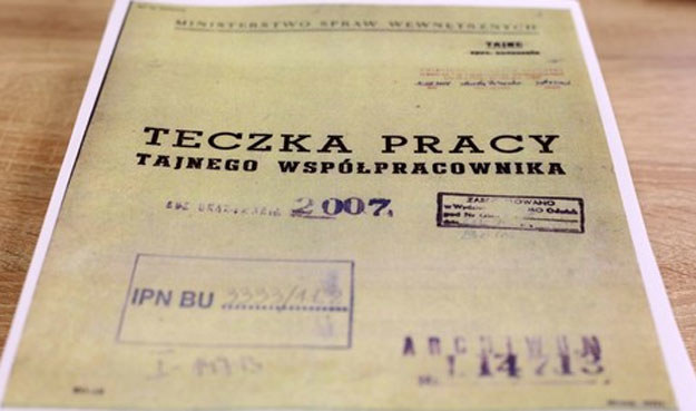 Możliwy jest wspólny zwykły pozew cywilny kilku osób, które czują się pokrzywdzone przez byłego prezydenta /Kowalczuk Stanisław /East News