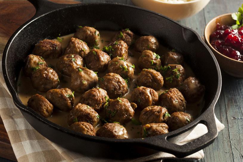 Można je serwować z rozmaitymi dodatkami, pasują m.in. do ziemniaków pieczonych, frytek czy kasz /123RF/PICSEL