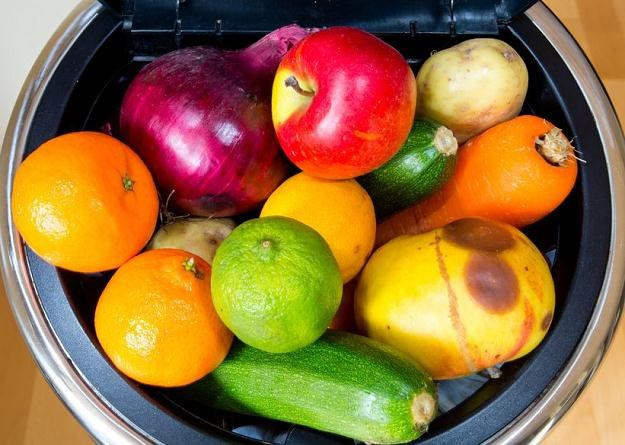 Można ocalić 300 tysięcy ton nadwyżek żywności, które obecnie dystrybutorzy utylizują /©123RF/PICSEL