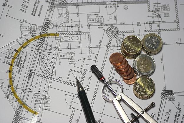 Można odwołać się od decyzji nakładającej opłatę adiacencką? /©123RF/PICSEL