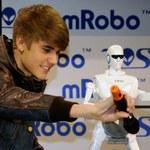 mRobo - robot jak Justin Bieber