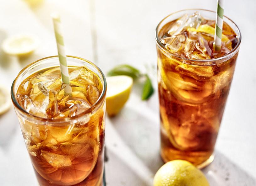 Mrożona herbata - latem orzeźwia najlepiej! /123RF/PICSEL