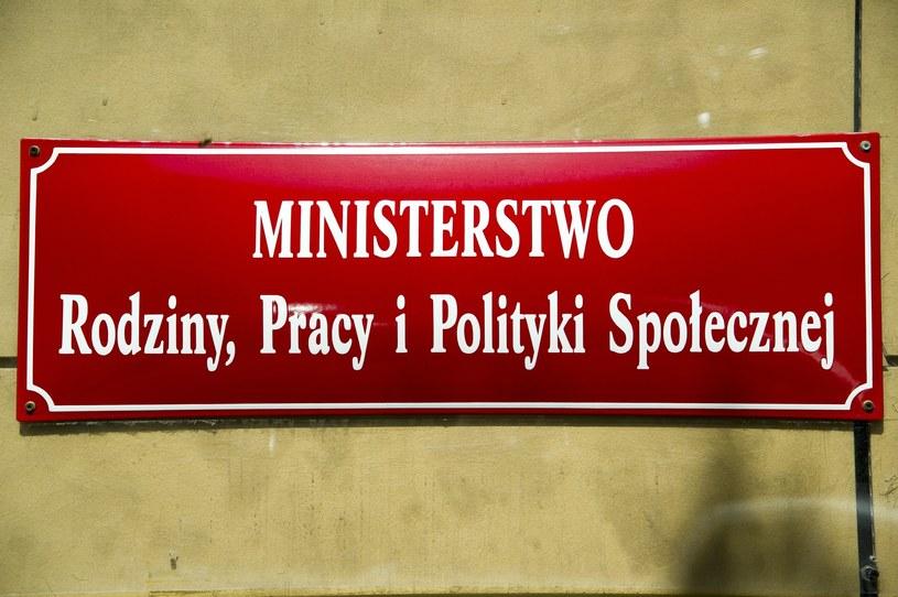 MRPiPS: Liczba adopcji zagranicznych spadła o połowę /Wojciech Stróżyk /Reporter