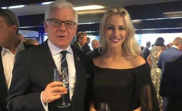 MSZ o zdjęciu szefa polskiej dyplomacji z Angeliką Jarosławską: Niefortunne
