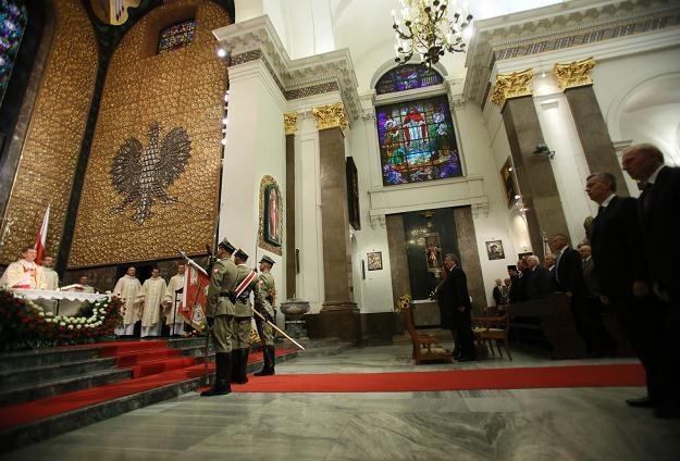 Msza św. za ojczyznę i Wojsko Polskie w Katedrze Polowej WP w Warszawie, fot. L. Szymański /PAP
