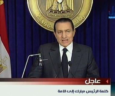 Mubarak: Nie odejdę, ale oddaję władzę