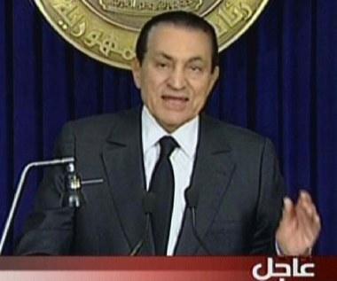 Mubarak poleciał do Szarm el-Szejk