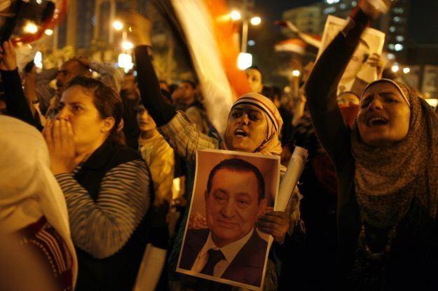 Mubarak wyłączył internet, potem chciał wprowadzić do sieci trojana /AFP
