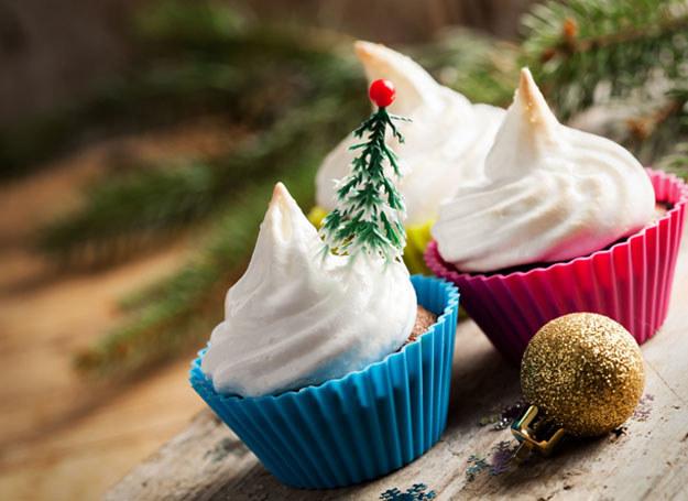 Muffiny udekoruj lukrem lub masą cukrową /123RF/PICSEL