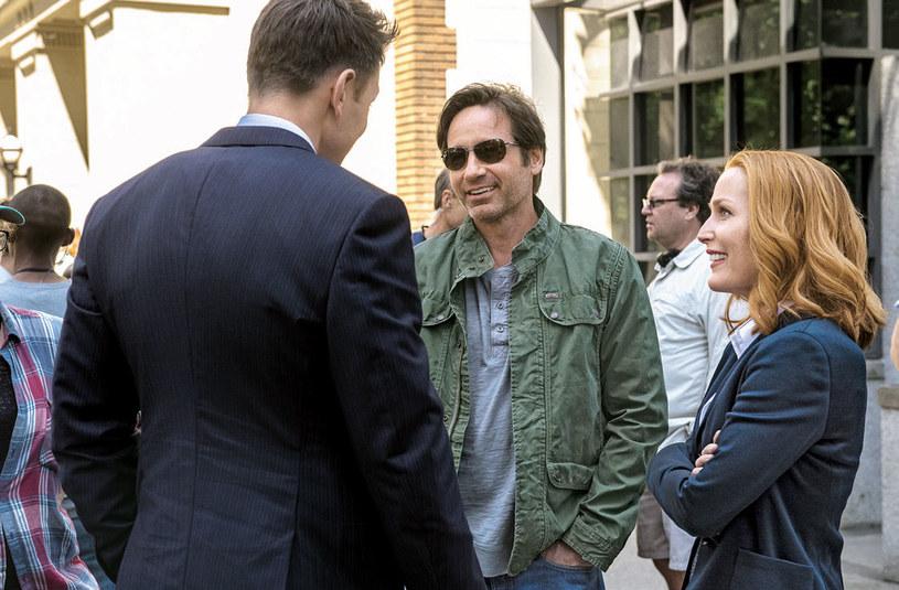 """Mulder i Scully są odrobinę """"wymięci"""" /Świat Seriali"""