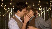 Mumford & Sons: Gejowski pocałunek w klipie