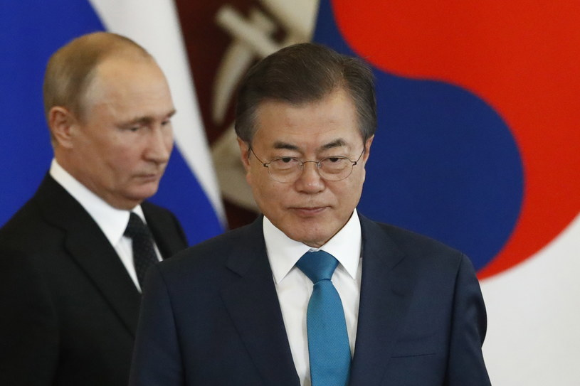 Mun Dze In i Władimir Putin /SERGEI KARPUKHIN /PAP/EPA