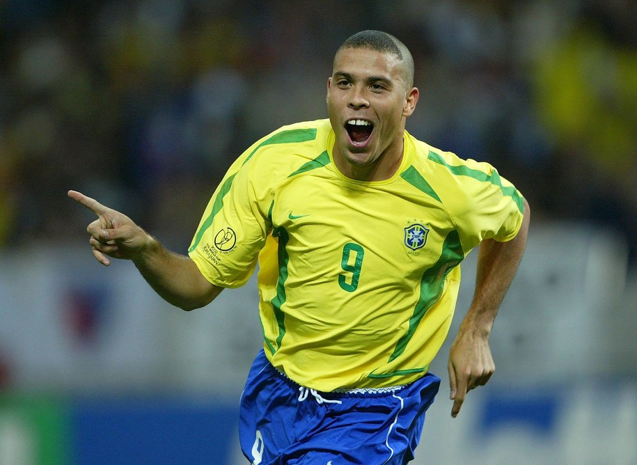 Mundial 2002: Ronaldo cieszy się ze zdobycia bramki w meczu z Turcją /Markus Ulmer/DPA /PAP