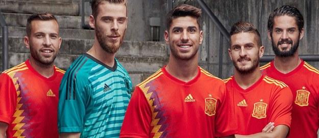 Mundial 2018: Kontrowersyjne koszulki reprezentacji Hiszpanii