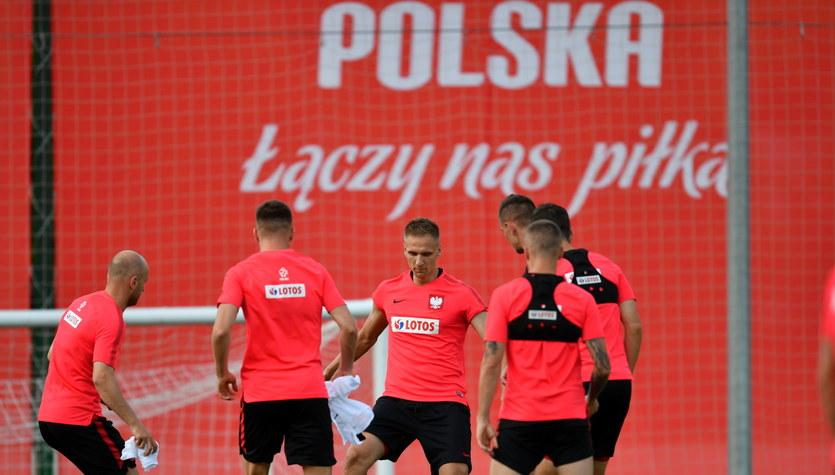 Mundial 2018. Polscy piłkarze chowają się przed mediami? Jest odpowiedź