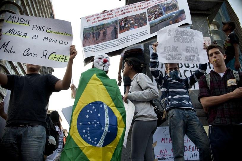 Mundial zacznie się za 15 dni, a trwające od roku protesty nie ustają. /AFP