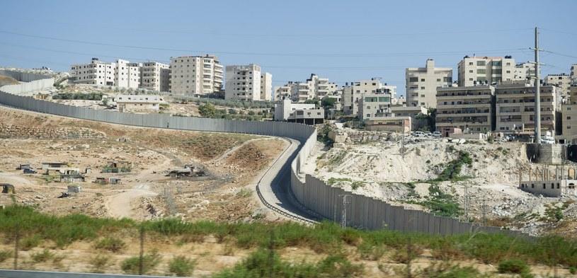 Mur graniczny oddzielajacy Izrael od Zachodniego Brzegu Jordanu. /Bartosz Krupa /East News