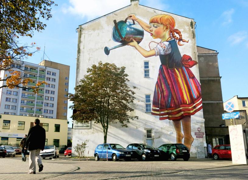 Mural autorstwa Natalii Rak spodobał się tak bardzo, że posłużył za wzór dla znaczka Poczty Polskiej /Kosc/AGENCJA WSCHOD/REPORTER /East News