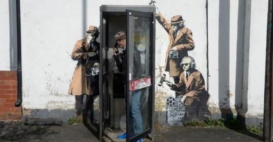 Mural Banksy'ego przed zniszczeniem /Twitter