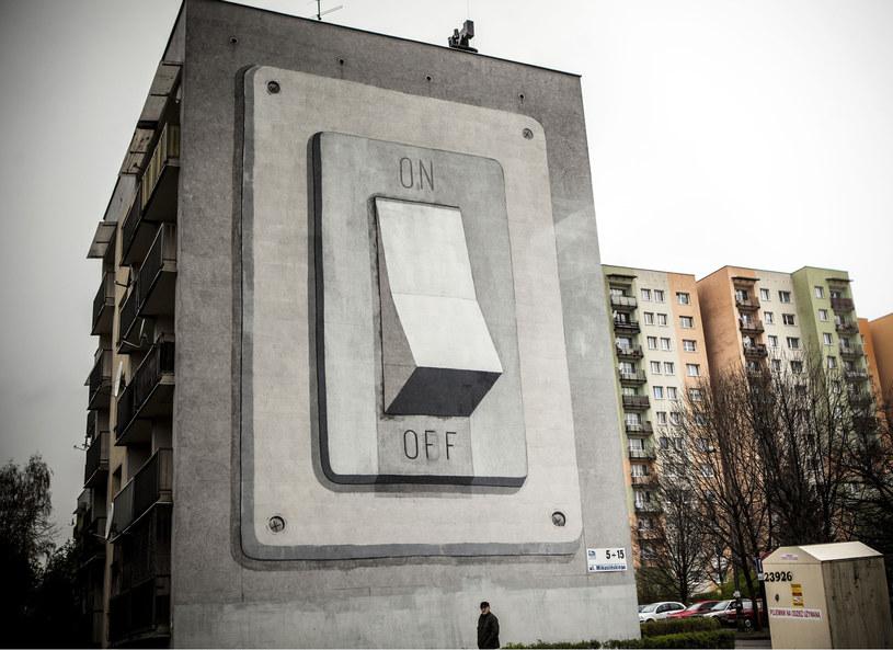 """Mural """"On/Off"""" powstał w ramach Street Art Festival w Katowicach /Escif / Rex Features /East News"""