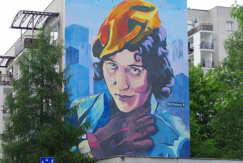Mural projektu Julii Szulc, przedstawiający Zofię Stryjeńską /Marek Bazak /East News