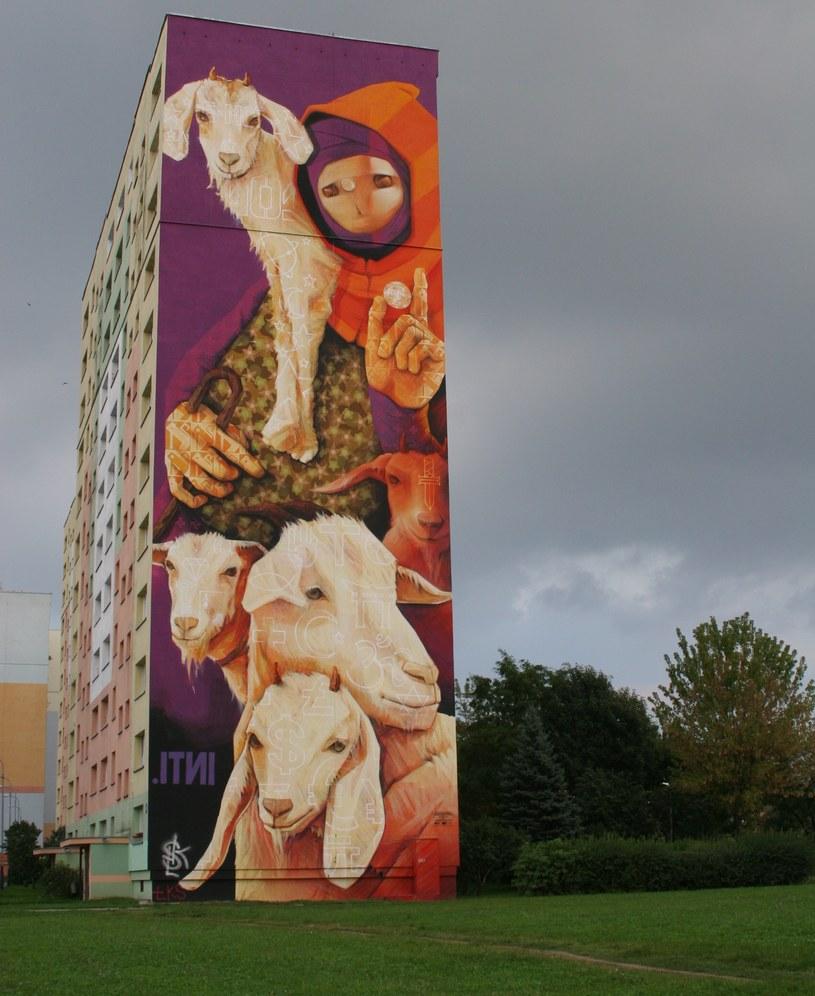 Mural przy al. Wyszyńskiego 80, blok 267. Osiedle Retkina (autor: INTI) /Ewelina Karpińska-Morek /INTERIA.PL