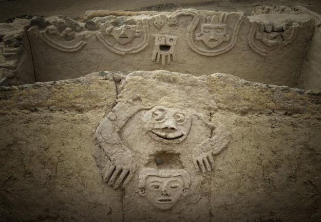 Mural sprzed 3800 lat odkryli archeolodzy w Peru /PAP/EPA