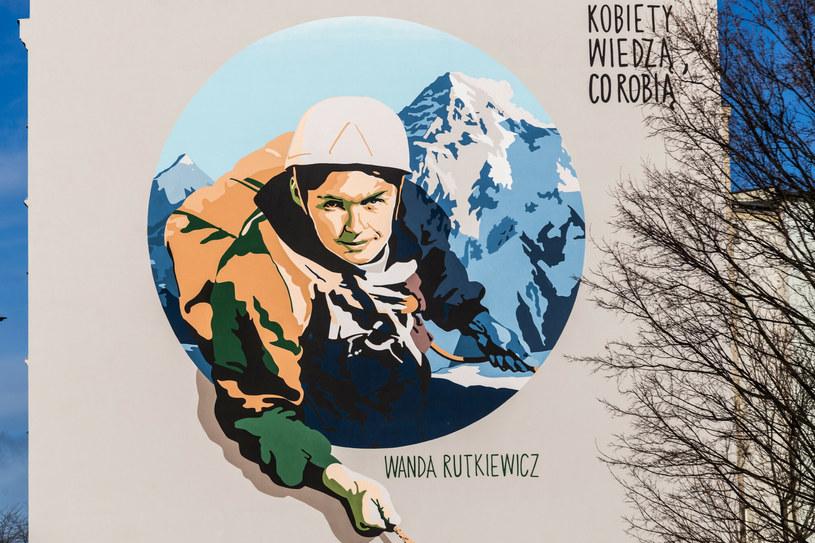 Mural upamiętniający Wandę Rutkiewicz / fot. Krzysztof Kaniewski  /East News
