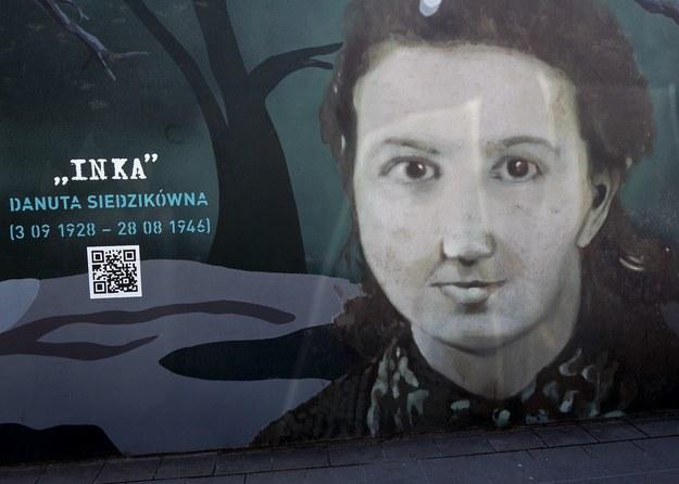 """Murale poświęcone """"żołnierzom wyklętym"""" w Gdańsku /Marek Michalak /East News"""