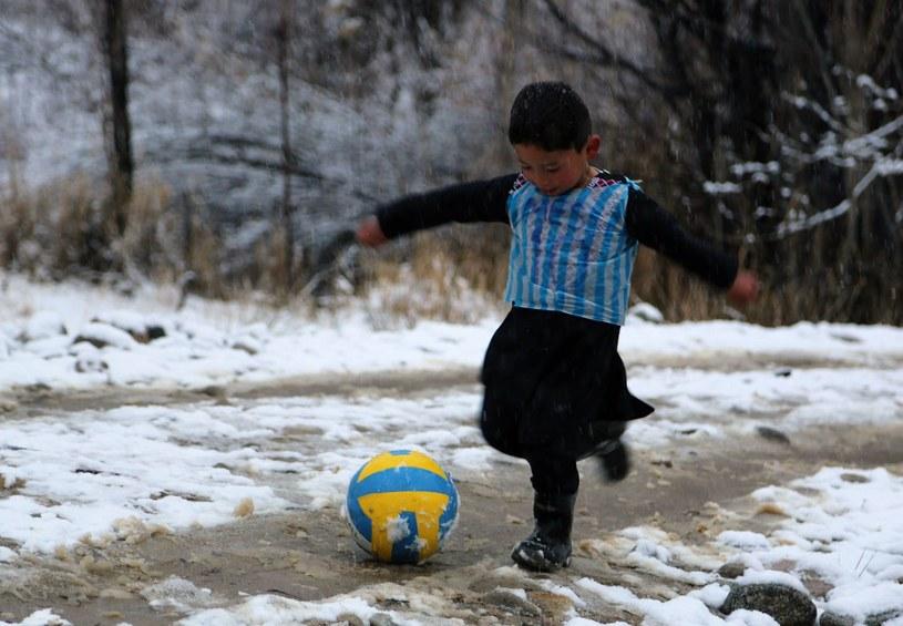 Murtaza Ahmadi wzruszył świat i asa Barcelony /AFP