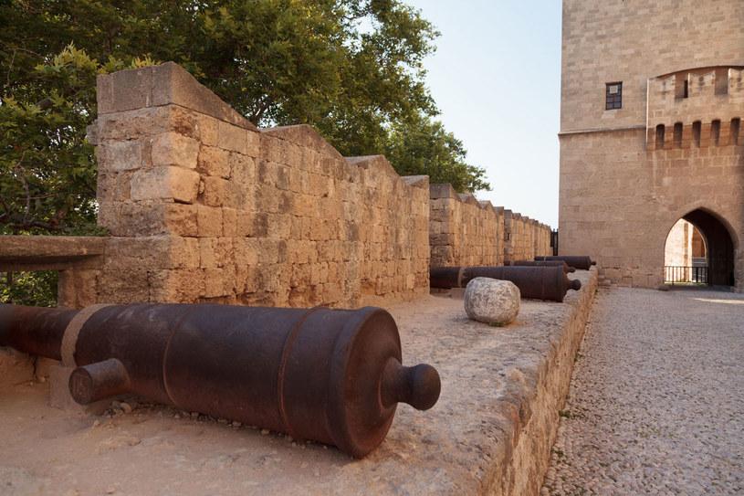 Mury obronne poza Rodos. /123RF/PICSEL