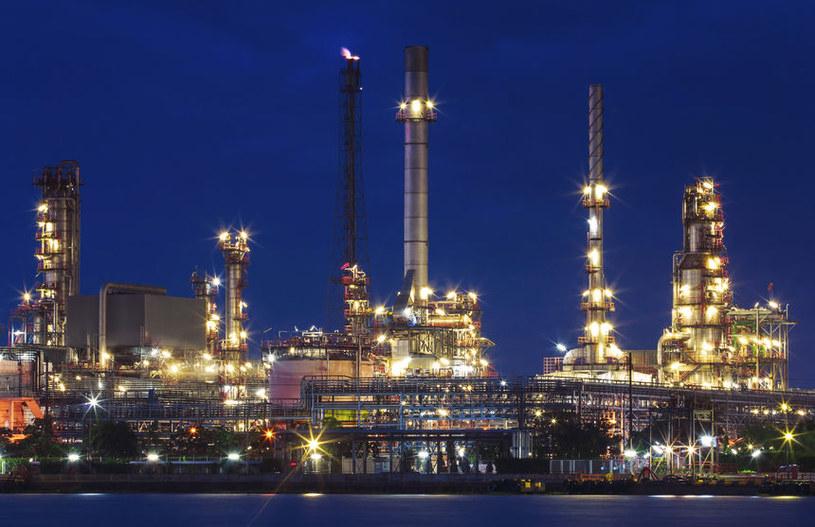 Musimy ograniczyć wykorzystanie paliw kopalnych /123RF/PICSEL