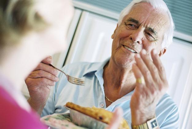 Musisz odkładać przez całe życie 25 proc. swoich zarobków! /© Bauer