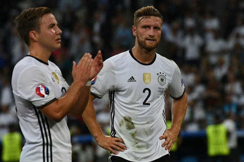 Mustafi (z prawej) w barwach reprezentacji Niemiec /AFP