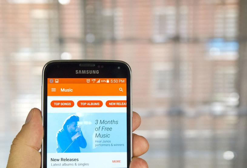 Muzka Google Play chce w ten sposób przyciągnąć użytkowników konkurencyjnych serwisów /123RF/PICSEL