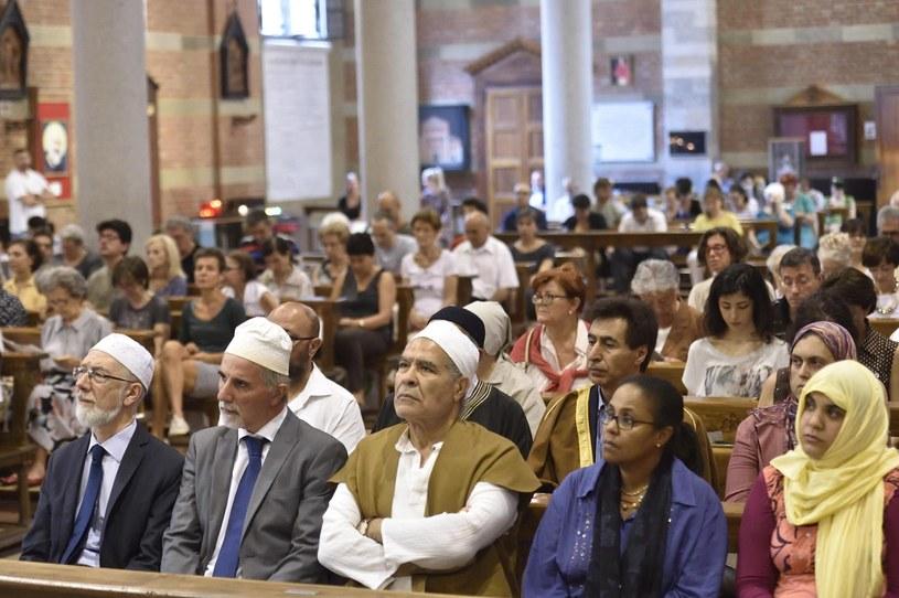Muzułmanie w kościołach w geście solidarności z katolikami /FLAVIO LO SCALZO /PAP/EPA