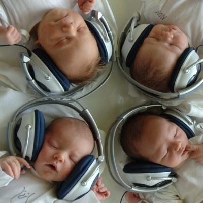 Muzyczne powitanie na świecie /AFP