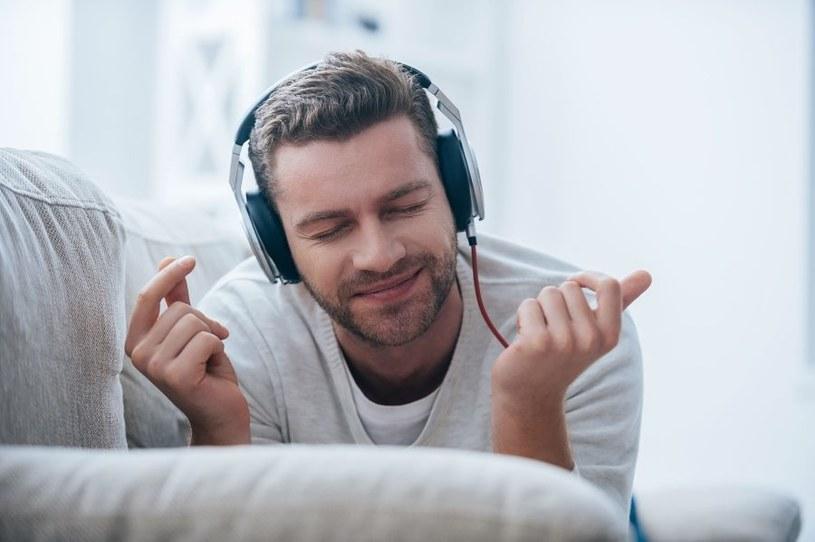 Muzyka ma terapeutyczną moc /123RF/PICSEL