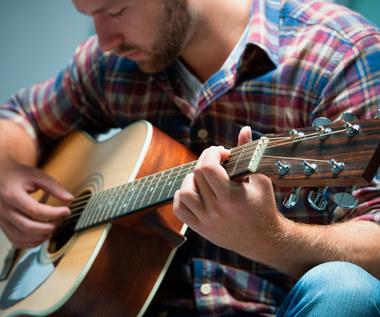 Muzyka sprawia, że mężczyźni wydają się kobietom... atrakcyjniejsi