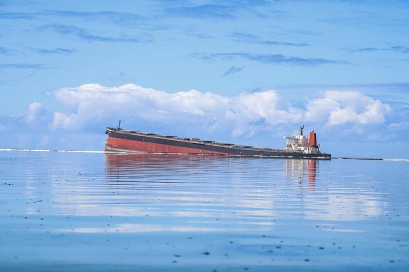MV Wakashio osiadły na mieliźnie przy Blue Bay Marine Park koło Mauritiusa /AFP