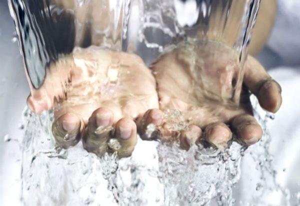 mycie dłoni /© Photogenica